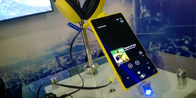 lumia 1020 displayed at launch in jakarta